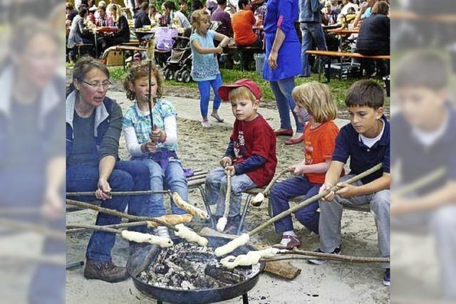 Kinder feiern drei Anlässe auf einmal