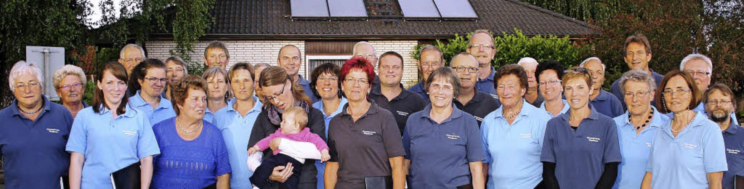 Der  Gesangverein Mappach feierte mit dem befreundeten Gesangverein Hegenheim.   | Foto: Günter Meder