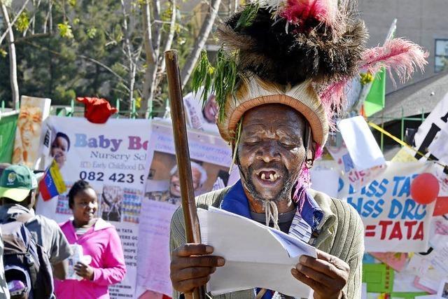 Südafrika bangt um Mandela - Familie streitet, wo er begraben werden soll