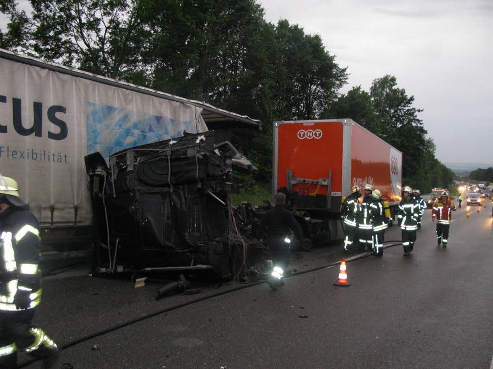 A98:  Laster kracht auf Laster    Foto: polizei