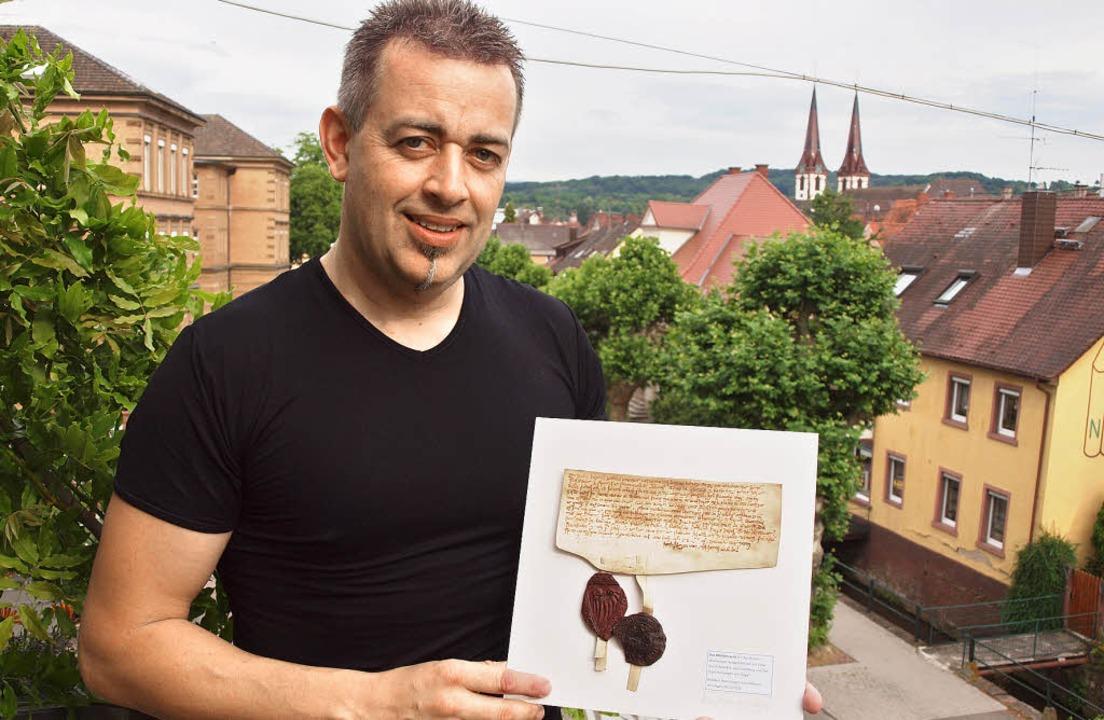 Mittelalterliches Kenzingen: 25 Expona...van Akkeren im  Kreuzgang der AWO aus.  | Foto: haberer
