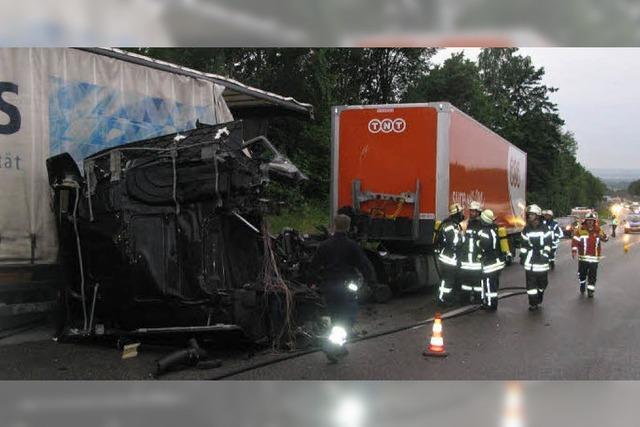 Verkehrschaos nach Lkw-Unfall
