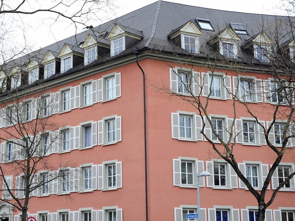 Die Freiburger Stadt passt die Miete von 3500 Wohnungen an den Mietspiegel an.  | Foto: Thomas Kunz