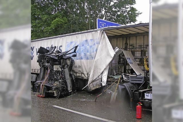 Erneut Unfälle und Staus auf der A 98