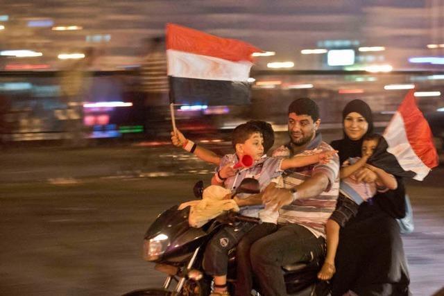 Mursi von Militärs gestürzt und unter Arrest – Weltweit Besorgnis