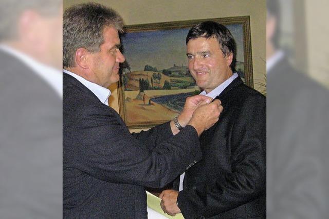 Hohe Auszeichnung für Helmut Neubauer
