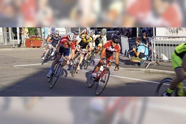 Radfahrer treffen auf Leichtathleten