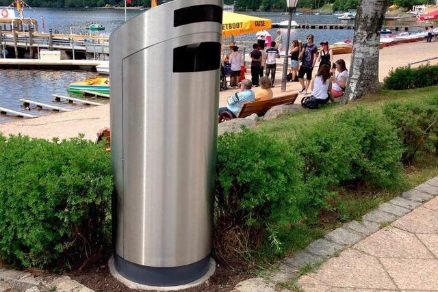 Neue Mülleimer der Größe XL sollen Titisee sauberer machen