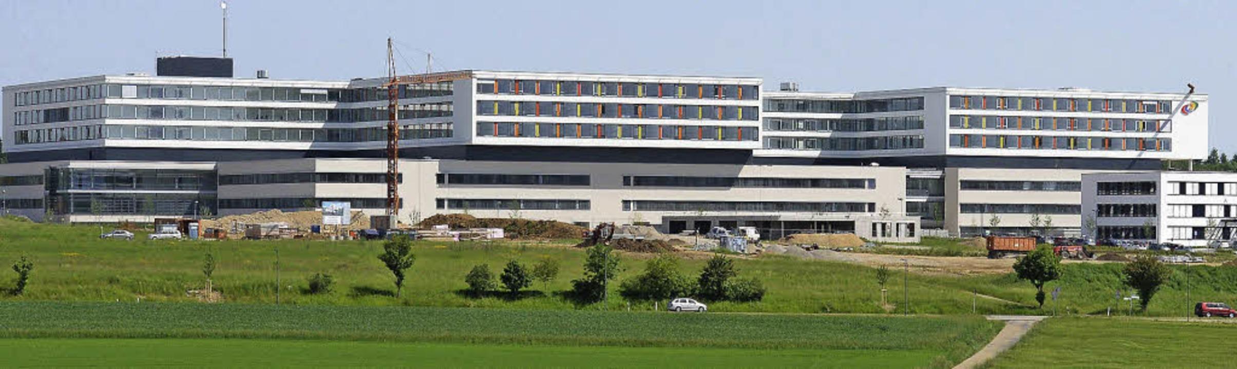 Ein Großklinikum eröffnet - Südwest - Badische Zeitung