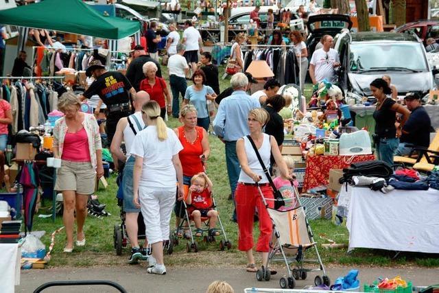 Großer Flohmarkt auf dem Weinfestgelände