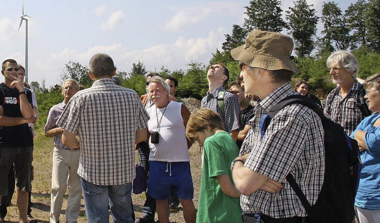 Aufmerksam folgten die Besucher vom Ho...t Leimer (mit dem Rücken zur Kamera).   | Foto: Katja Mielcarek