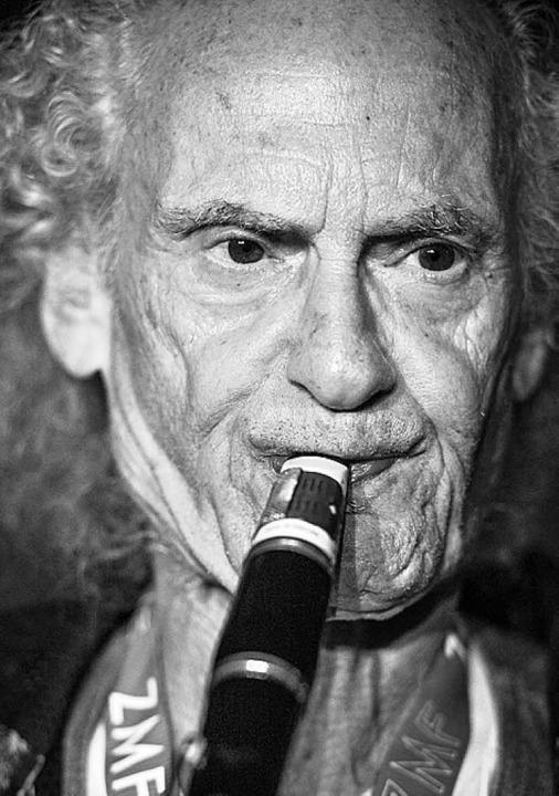 Ein Jazzmagier: Klarinettist Perry Robinson   | Foto: Klaus Polkowski