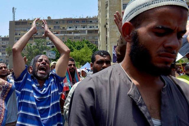 Armee schießt auf Demonstranten – viele Muslimbrüder sterben