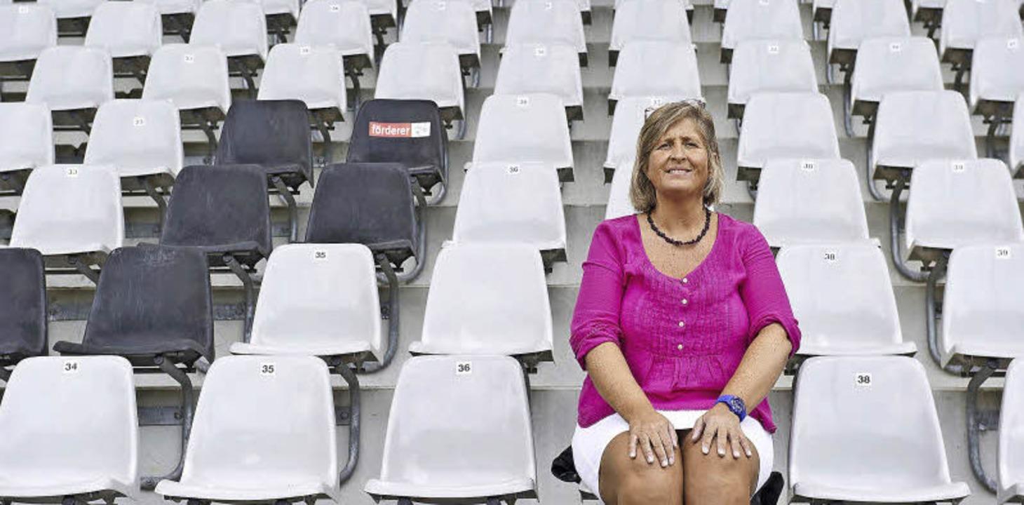 Carmen Kranzer arbeitet in aller Regel...-Solar-Stadions, drinnen und draußen.   | Foto: Daniel Schoenen