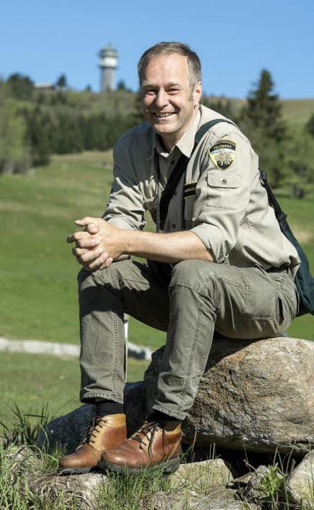 Der Feldbergranger in seiner natürlich...iet auf dem höchsten Berg des Landes.   | Foto: Daniel Schoenen / dpa