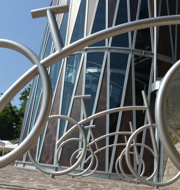 Auch optisch macht der Ausstellungspav...sten Flusskraftwerk Europas viel her.   | Foto: Fotos: Peter Gerigk/Ralf Staub