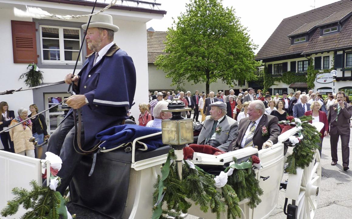 Der Umzug durchs Dorf ist Teil des Heb...ann Peter Hebels Geburtstag gefeiert.   | Foto: Sattelberger/Privat