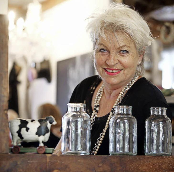 Karin Hartwig ist die gute Seele vom  Café Lager.    Foto: Christoph Breithaupt