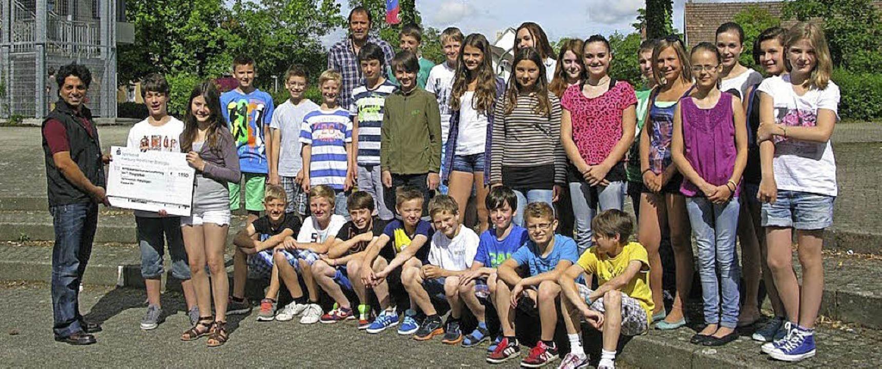 1150 Euro erbrachte die  Spendenaktion der Schüler.  | Foto: Privat