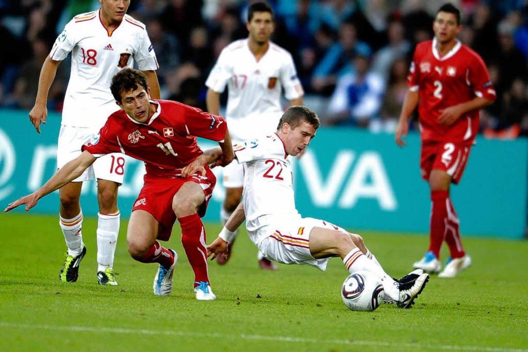 Mit der U21 der Schweiz kam Admir Mehm...er entschied Spanien mit 2:0 für sich.  | Foto: HENNING BAGGER