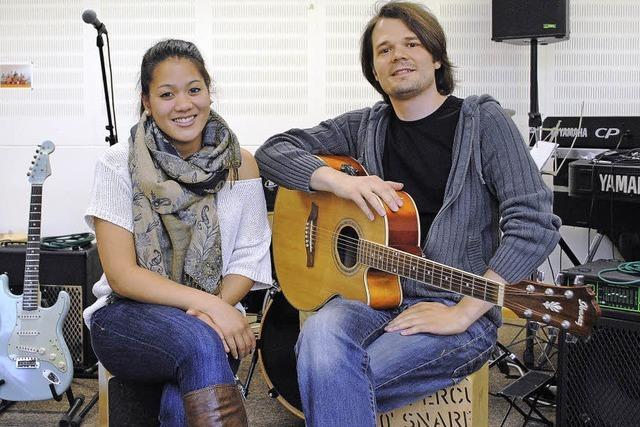 Linda Tang und Band im Nashville-Sound