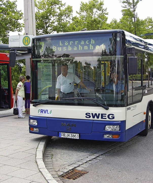 Ein RVL-Bus am Lörracher Busbahnhof.   | Foto: Michael Reich