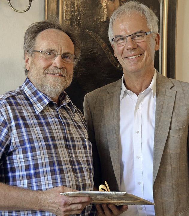 Abschied nach 24 Jahren: Bürgermeister...er Mosbach dankt Bernhard Goldschmidt.  | Foto: Bury