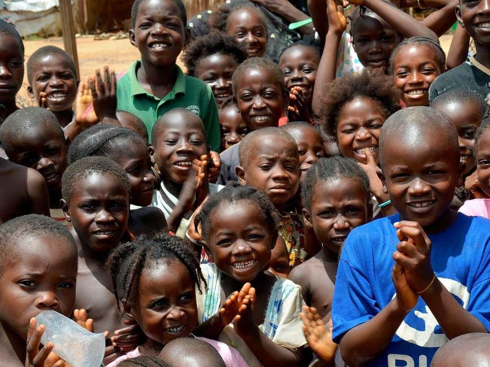 40 Prozent aller Afrikaner sind jünger als 14 Jahre alt.   | Foto: DPA