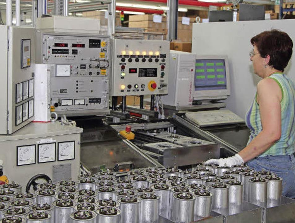 Kondensatoren für die Welt: Frako-Produktion in Teningen    Foto: FRAKO