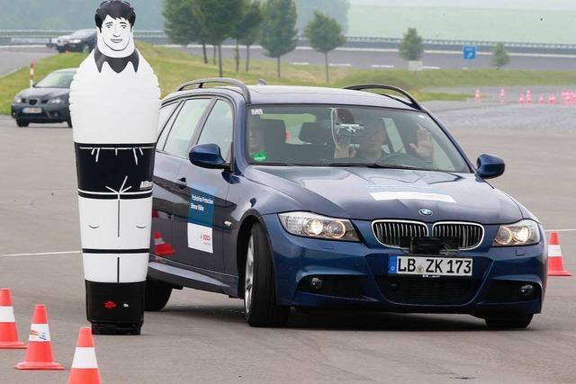 Assistenzsysteme: Das Auto denkt und lenkt