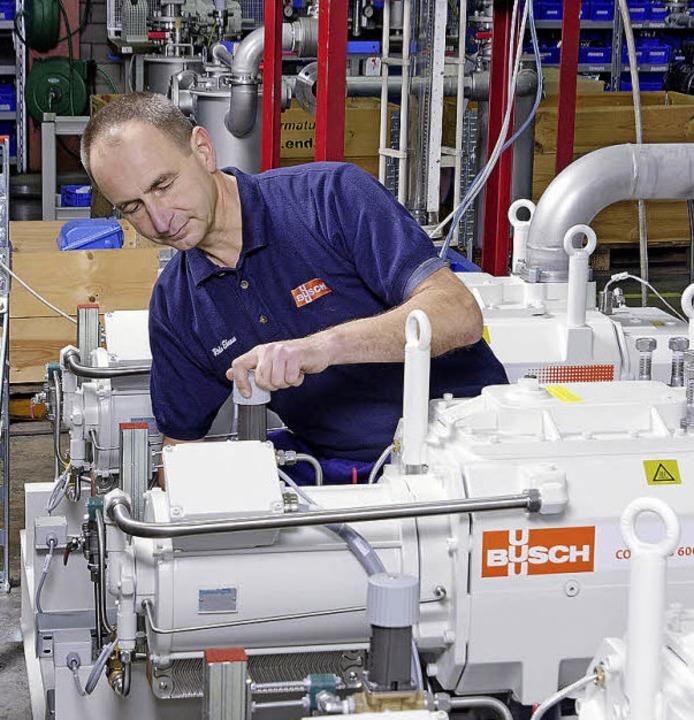 Kurz vor der Fertigstellung – Pr... von Vakuumpumpen bei der Firma Busch.  | Foto: Werkbild