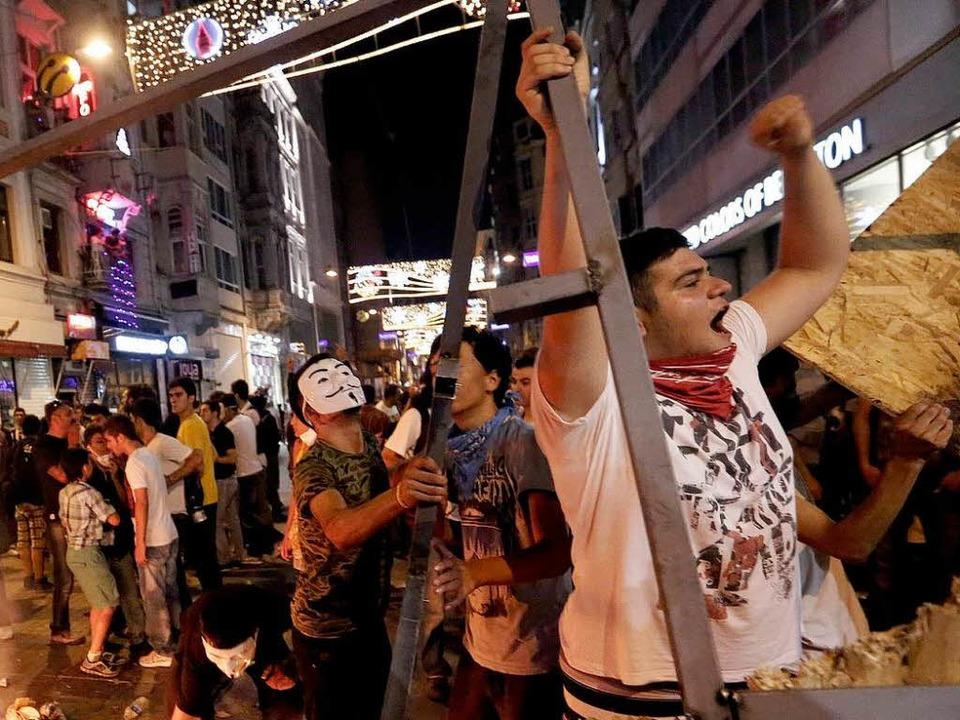 Ausschreitungen sind in Istanbul mittlerweile fast an der Tagesordnung.  | Foto: dpa