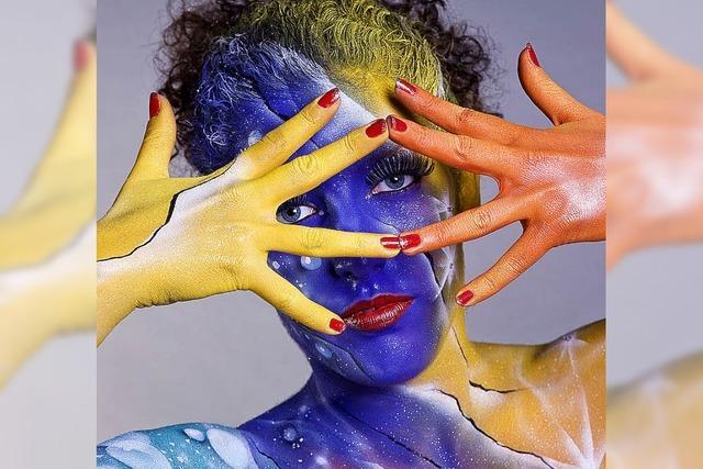 Körperkunst auf nackter Haut