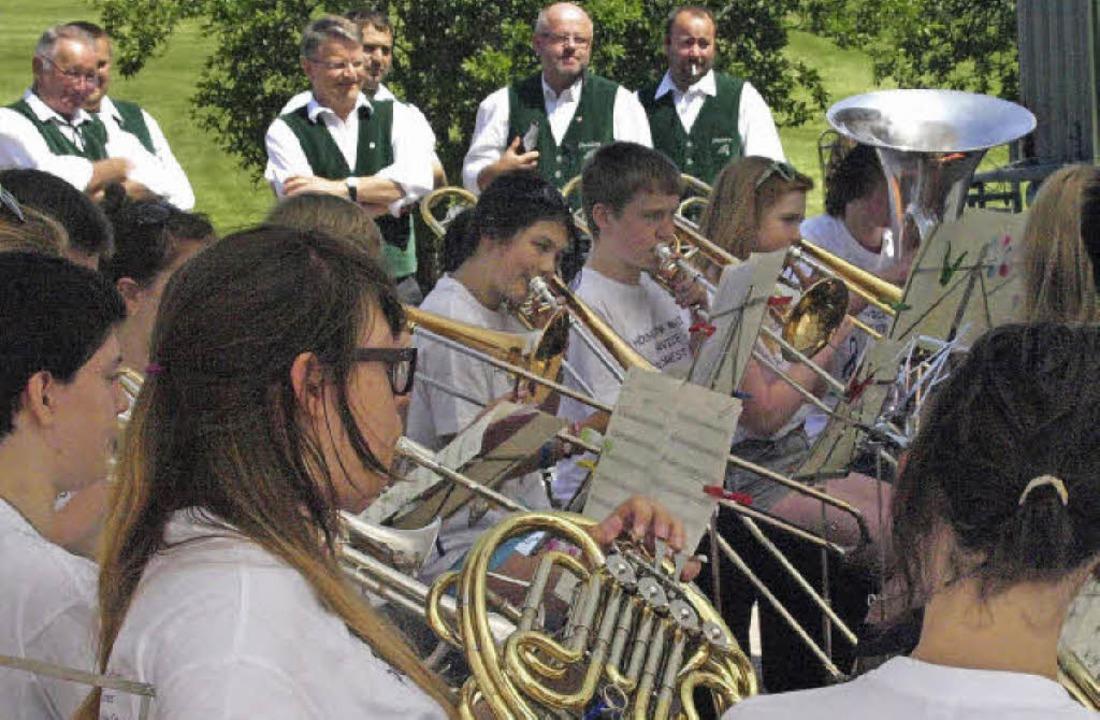 Beim Patroziniumsfest in Hierbach zu G...ugendorchester aus der Nähe von London  | Foto: Karin Stöckl-Steinebrunner