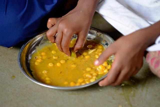 Insektengift im Schulessen: 22 Kinder in Indien sterben