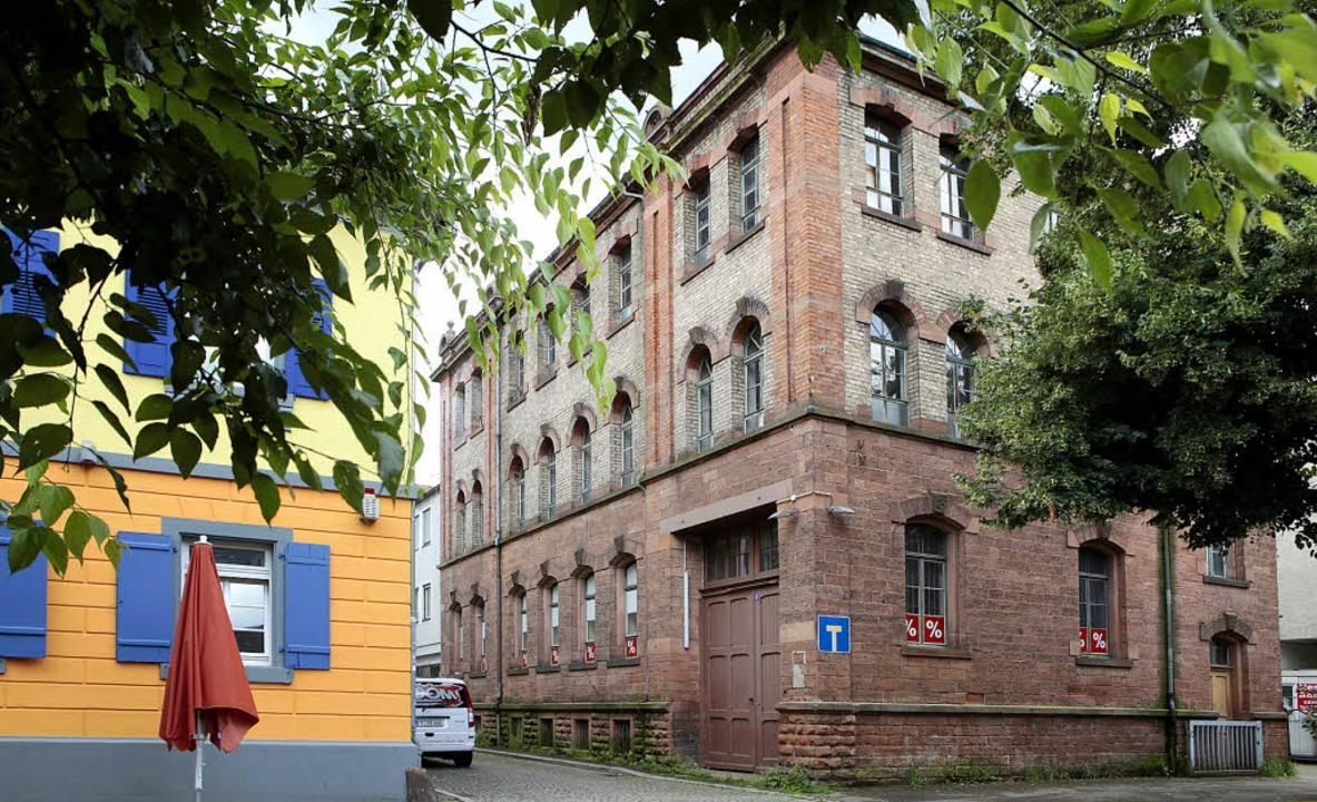 In dieser ehemaligen Fabrik könnte das... Museum für Stadtgeschichte entstehen.  | Foto: christoph breithaupt