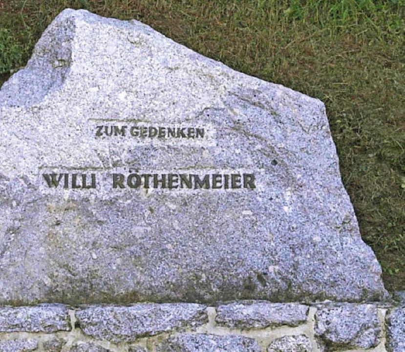 Beim 15. Bergturnfest wurde ein Gedenkstein für Willi Röthenmeier enthüllt  | Foto: Karin Stöckl-Steinebrunner