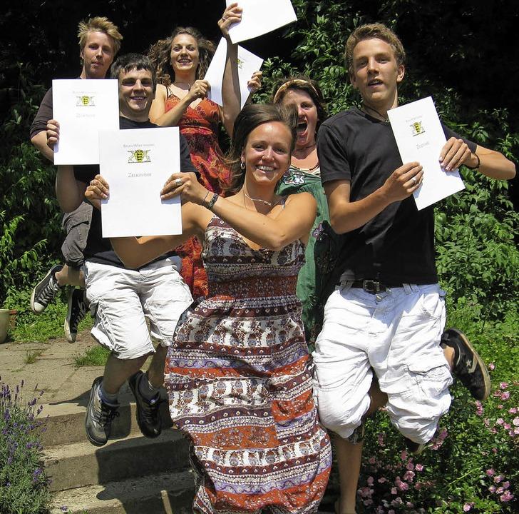 Geschafft: Diese sechs haben sich in e... die Prüfungen erfolgreich absolviert.  | Foto: ZVG