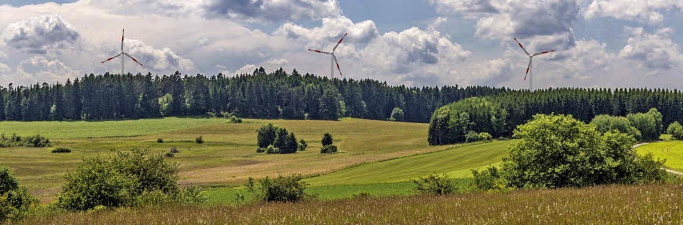 Mit Windrädern: Blick vom Ochsenberg bei Löffingen in Richtung Großwald.   | Foto: Fotomontage Bernhard Büttner