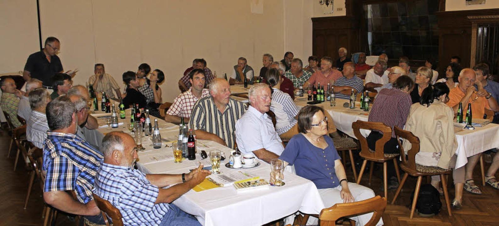 Knapp 80 Besucher nahmen an der Podium...ndestagskandidatinnen und -Kandidaten.  | Foto: Christa Maier