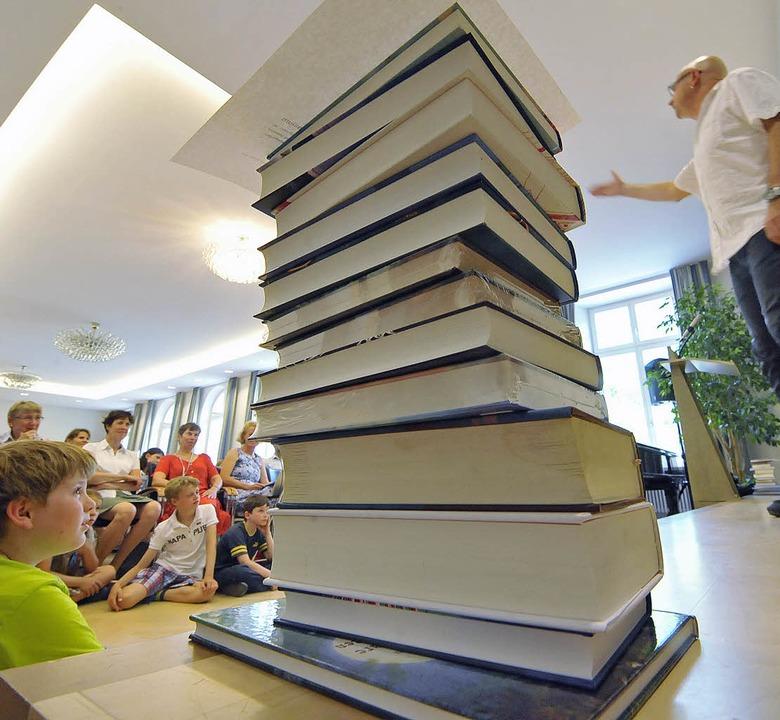 Zur Preisverleihung im Collegium Borro...herwurm: der Kabarettist Frank Sauer.   | Foto: Michael Bamberger