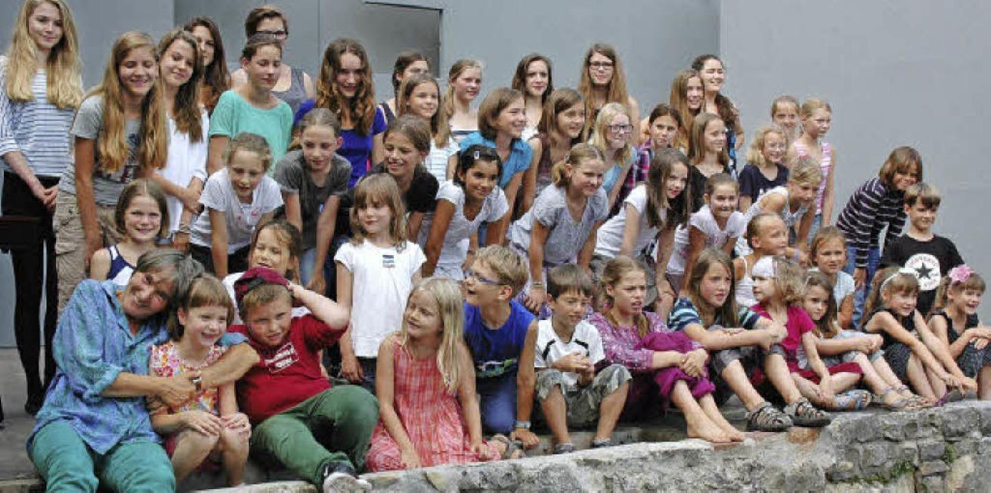 Nach 25 Jahren fällt das Loslassen sic...sich von ihrem Kinder- und Jugendchor.  | Foto: Britta Wieschenkämper