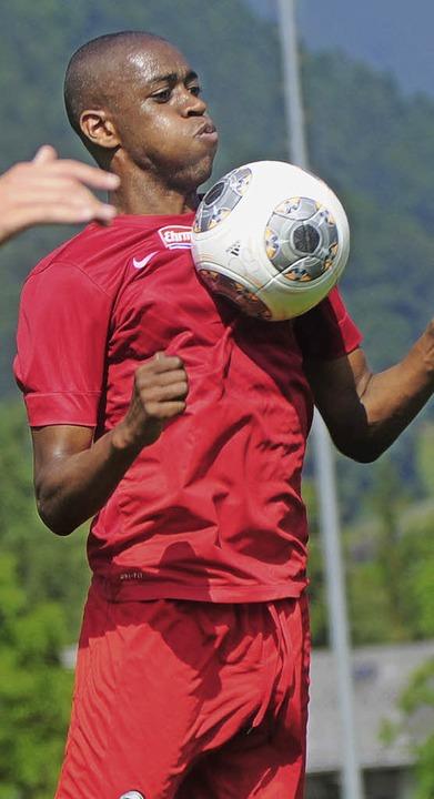 Möchte lange in Freiburger bleiben:  Gelson Fernandes     Foto: Schön