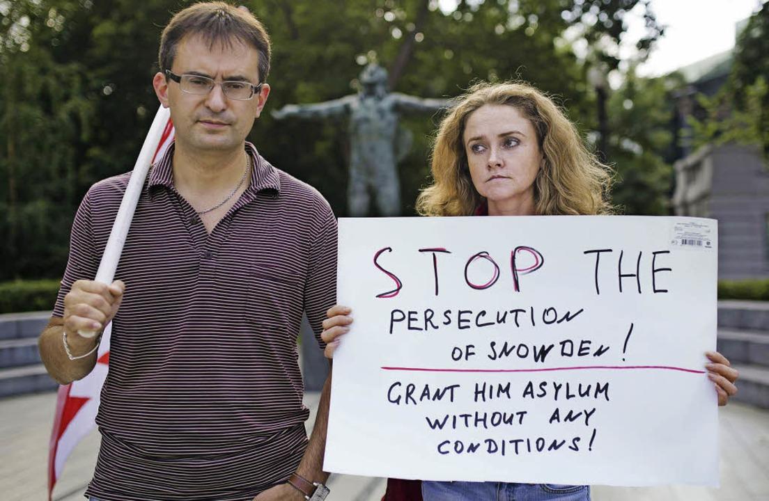 """""""Stoppt die Verfolgung von Edwar..., die Snowden öffentlich gemacht hat.     Foto: AFP"""