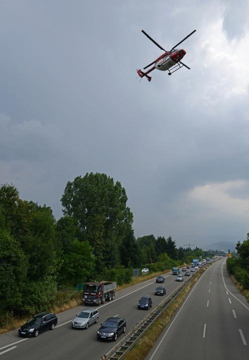 Unfall auf der B31 bei Freiburg  | Foto: Patrick Seeger