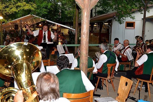 Breisgauer Musiker umrahmen Auftakt des Waldfestes
