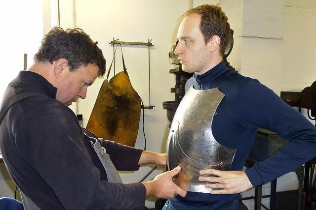 Brustpanzer und Helm nach Maß