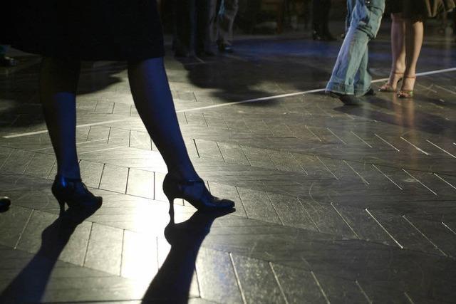 Tango auf dem Petersplatz in Basel