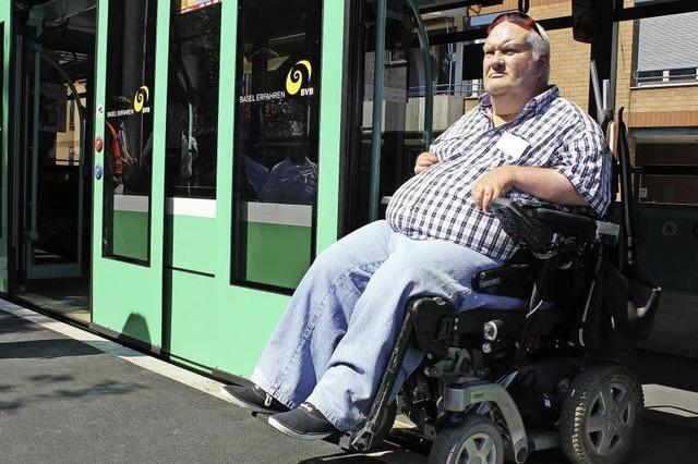 Verkehrsbetriebe nehmen barrierefreie Haltestelle in Betrieb