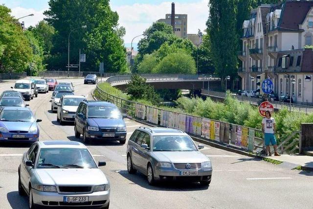 Sanierung der Leo-Wohleb-Brücke: Handel fordert mehr Umleitung